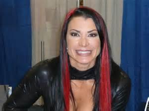 Former WWE & TNA Star Rips TNA & DixieCarter